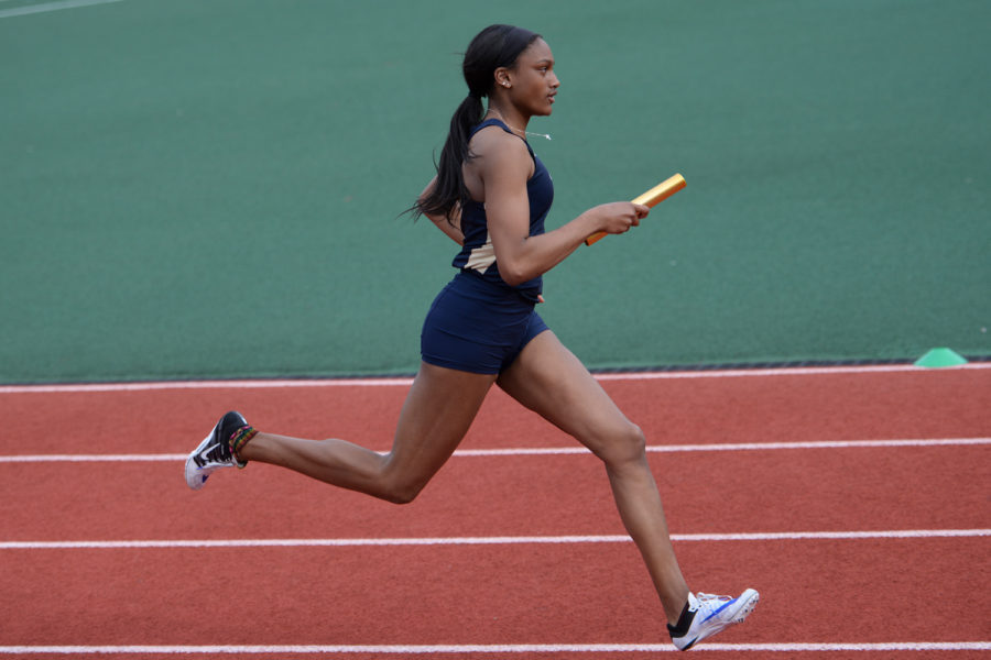 Senior+Quadaisha+Newkirk+finished+the+400m+hurdle+in+17th+place+with+a+time+of+59.75+at+Thursday%E2%80%99s+Texas+Relays.+%28Photo+by+Anna+Bongardino+%7C+Senior+Staff+Photographer%29%0A