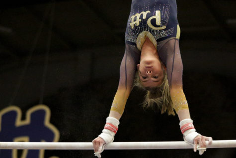 Gymnastics competes at NCAA regional competition