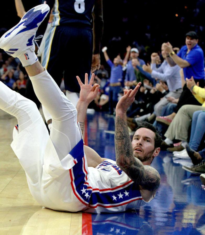The+Philadelphia+76ers%27+J.J.+Redick+celebrates+after+getting+fouled+on+a+3-pointer+by+the+Memphis+Grizzlies+in+the+second+quarter+of+a+preseason+game+at+Wells+Fargo+Center+in+Philadelphia+on+Oct.+4%2C+2017.+%28Charles+Fox%2FPhiladelphia+Inquirer%2FTNS%29