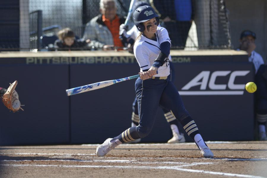 Senior+third+baseman+McKayla+Taylor+%2815%29+scored+the+first+run+during+Pitt%E2%80%99s+6-4+victory+over+Kent+State.+%28Photo+by+John+Hamilton+%7C+Managing+Editor%29+
