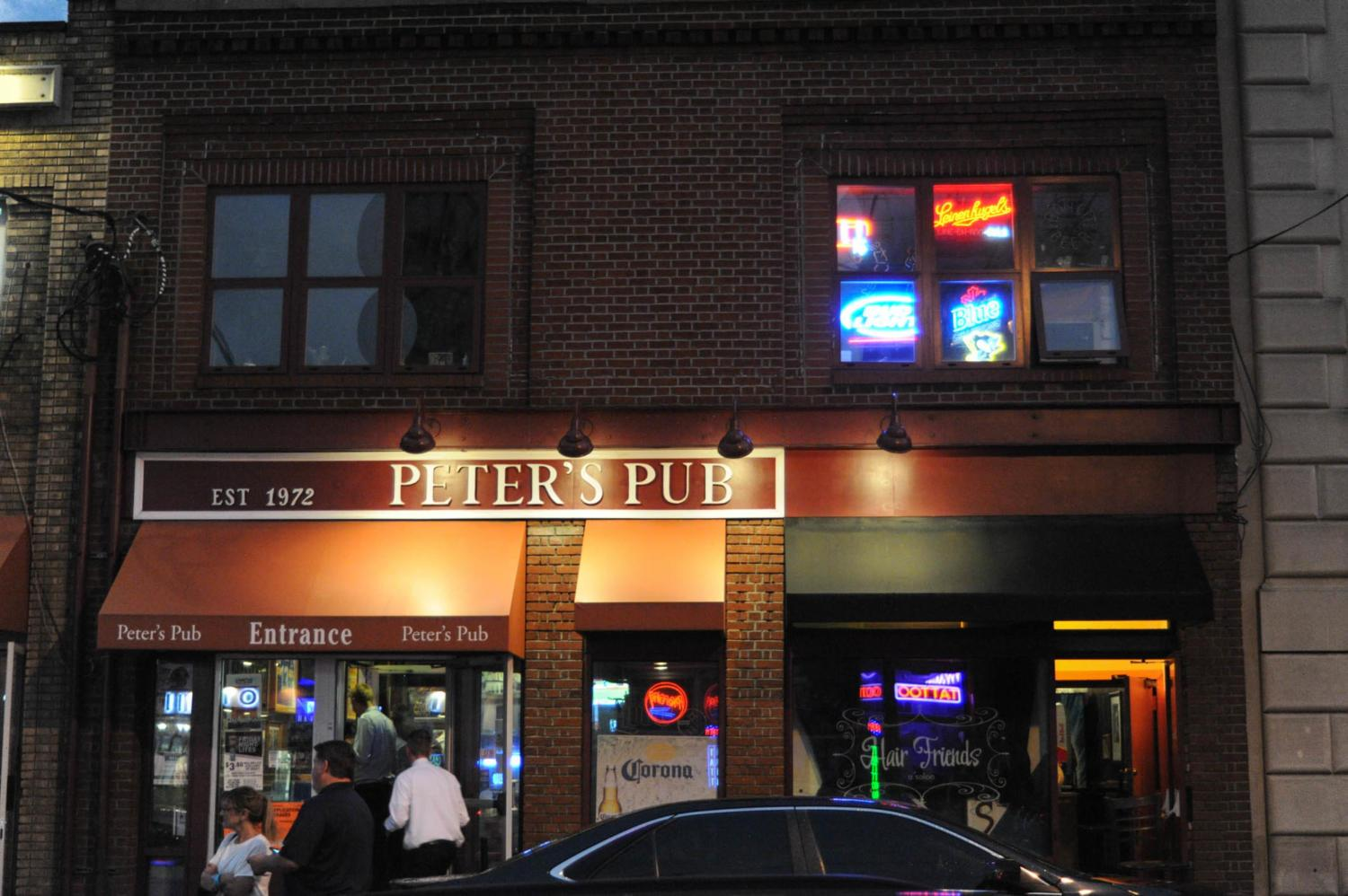 Peter's Pub on Oakland Avenue will close its doors for the last time Friday,  May 25. (Photo by Anne Amundson | Staff Photographer)