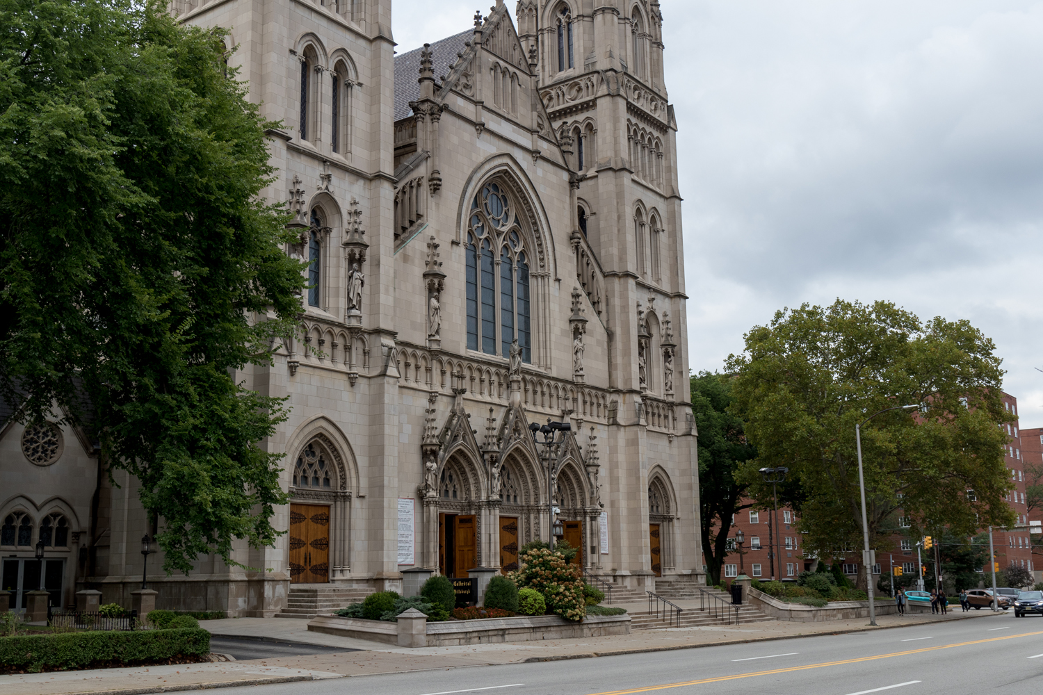 Saint Paul's Cathedral on Fifth Avenue is a part of the Pittsburgh Diocese, which was implicated in the Pennsylvania Diocese Victims Report alongside five other Pennsylvania diocese. (Photo by Thomas Yang | Assistant Visual Editor)