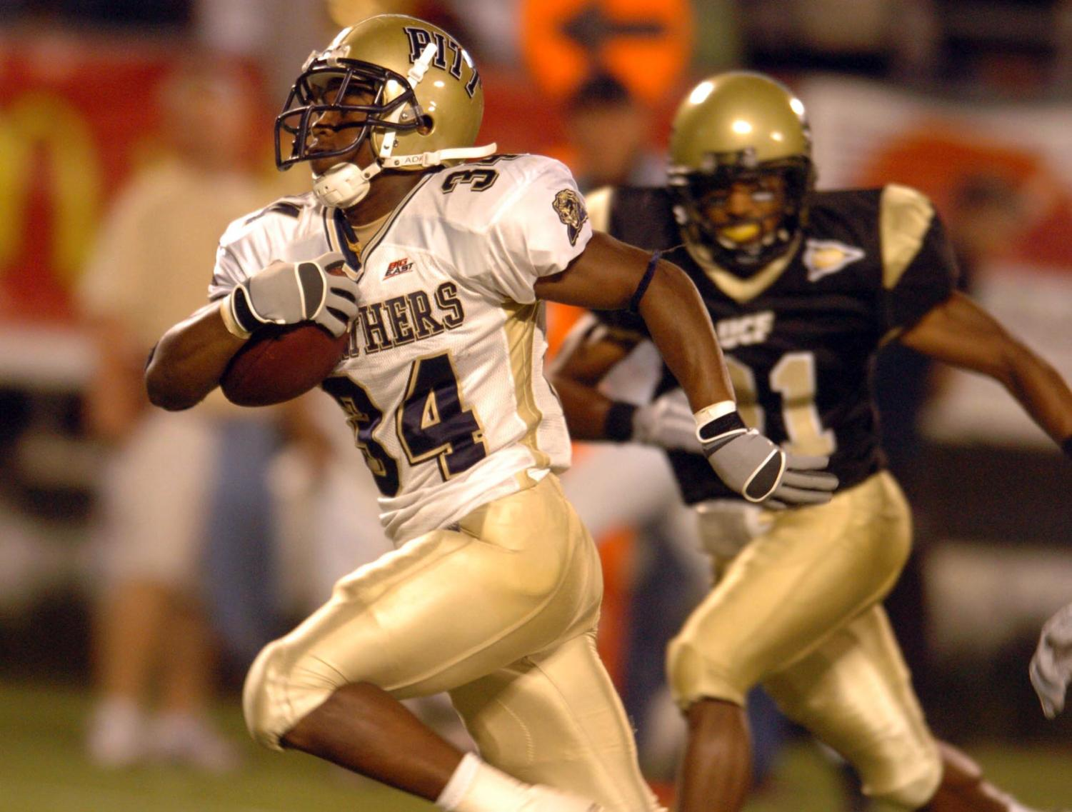 Pitt running back LaRod Stephens-Howling runs for a touchdown against the University of Central Florida during the teams' most recent match against each other at the Citrus Bowl in Orlando, FL on Oct. 13, 2006. (Stephen M. Dowell/Orlando Sentinel/MCT)