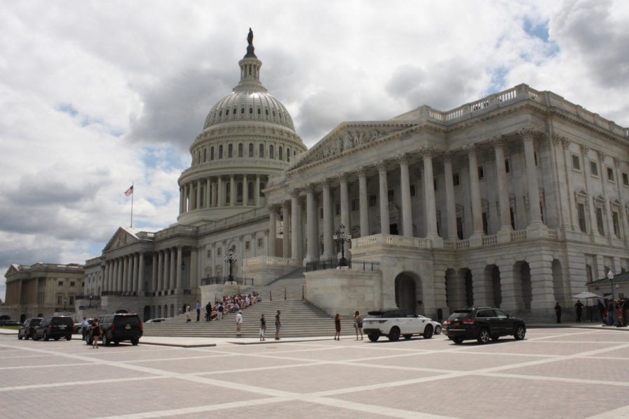 A+view+of+the+U.S.+Capitol+Building+on+July+25%2C+2017%2C+in+Washington%2C+D.C.+%28Evan+Golub%2FZuma+Press%2FTNS%29