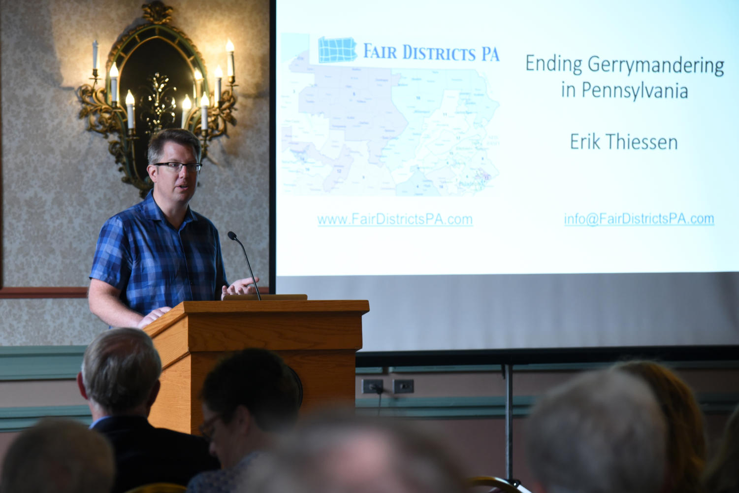 """Erik Thiessen, a member of Fair Districts PA, speaks about the impact of gerrymandering on voters at Tuesday afternoon's """"Let's Talk Gerrymandering"""" event. (Photo by Knox Coulter 