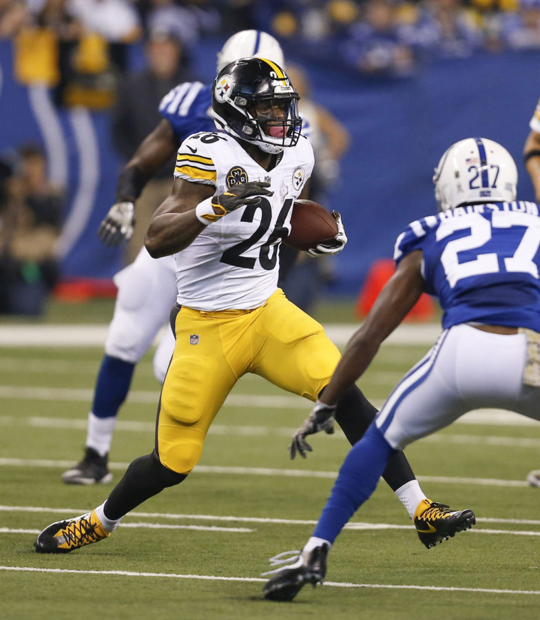 Pittsburgh+Steelers+running+back+Le%27Veon+Bell+%2826%29+runs+upfield+in+the+first+half+of+the+team%E2%80%99s+game+against+the+Indianapolis+Colts+on+Nov.+12%2C+2017%2C+in+Indianapolis.+