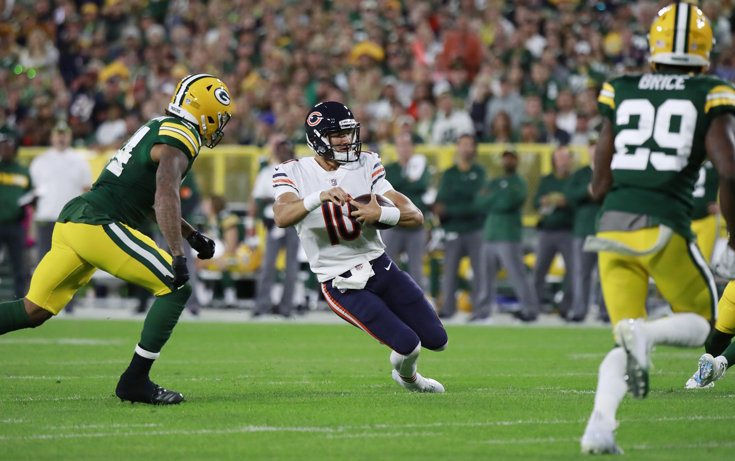 Chicago Bears quarterback Mitchell Trubisky (10) runs for some yardage against the Green Bay Packers on Sept. 9, 2018, at Lambeau Field in Green Bay, Wis.