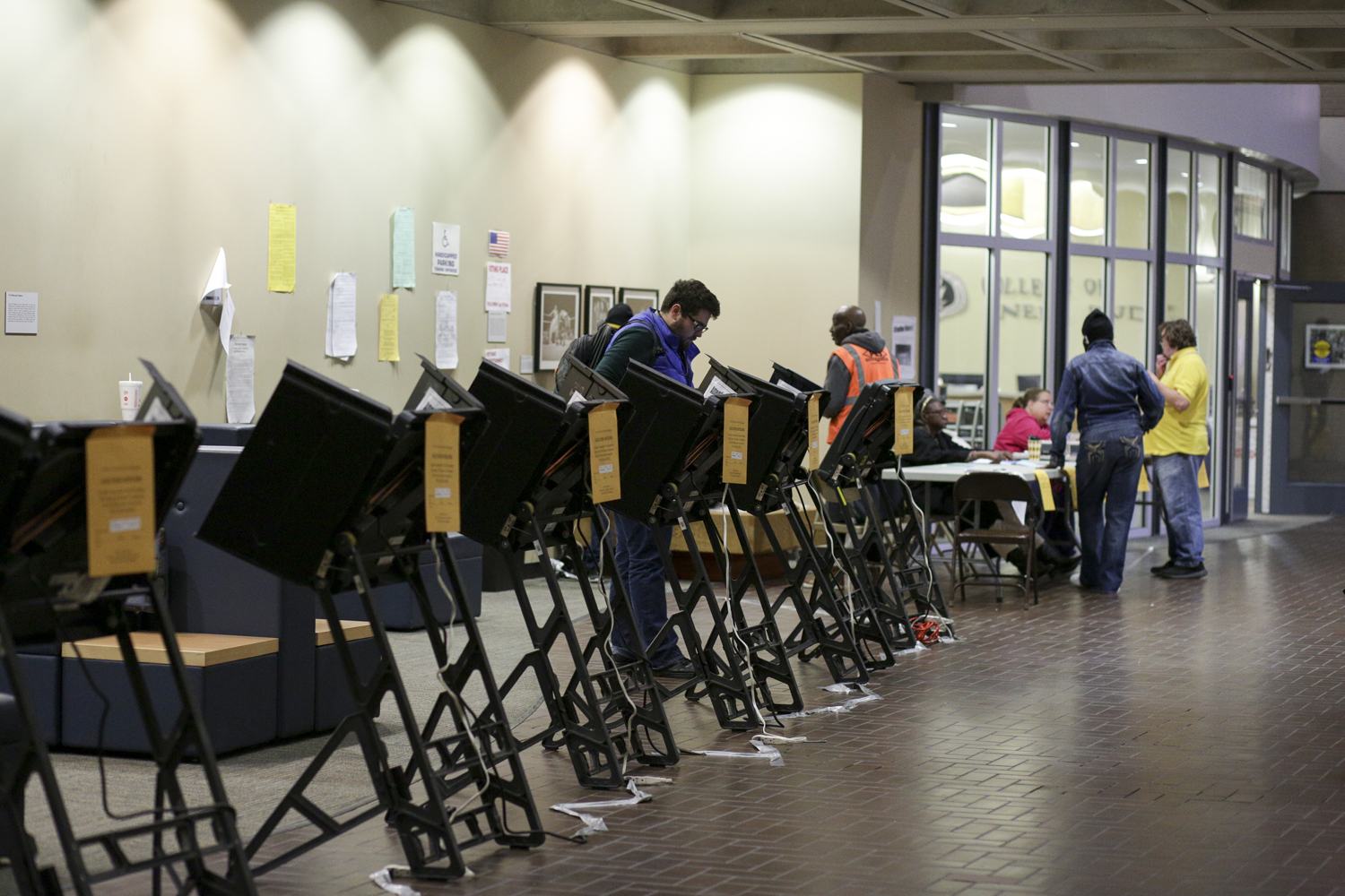 Students and community members voted in Posvar Hall Nov. 7, 2017. About 80 people cast their votes at the polling station.