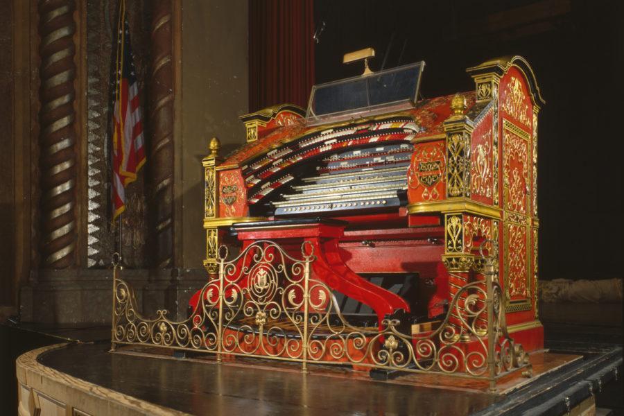 A+Wurlitzer+theater+organ.%0A