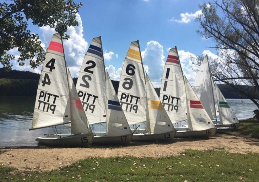 Five+of+the+Pitt+Sailing+Club%E2%80%99s+six+Flying+Junior+sailboats+pictured+at+Lake+Arthur+in+Moraine+State+Park.