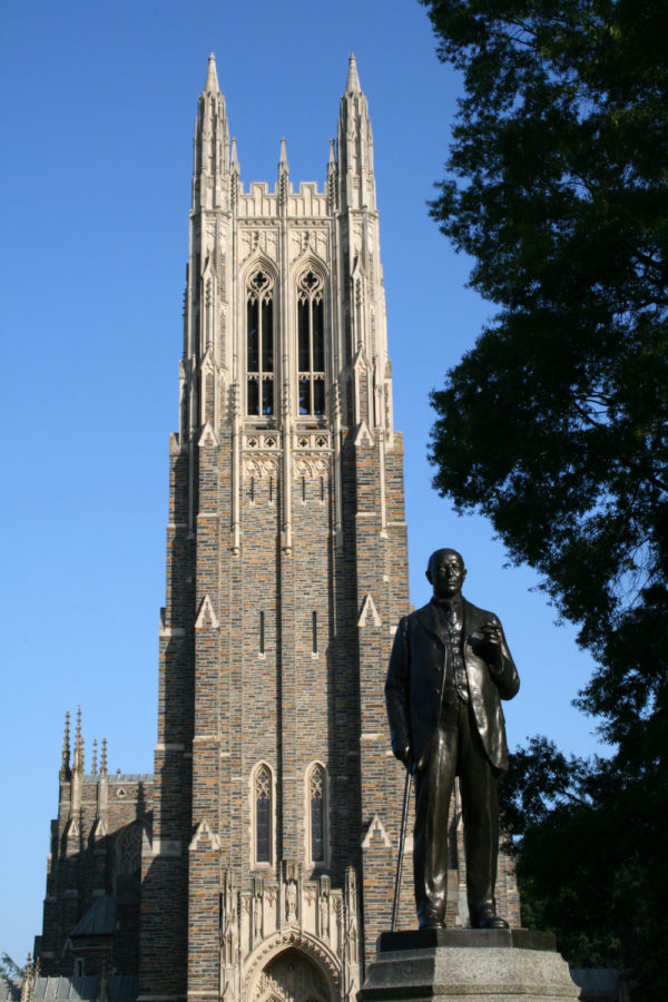 Duke+University%E2%80%99s+professor+Megan+Neely+is+currently+under+scrutiny+for+sending+an+email+to+Duke+biostatistics+students+about+international+students+speaking+Chinese+in+study+areas.%0A