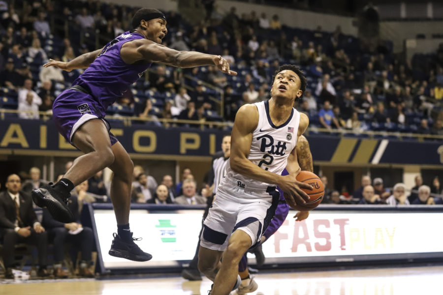 First-year+guard+Trey+McGowens%2C+pictured+here+against+Niagara%2C+led+Pitt+with+17+points+in+its+ACC-opening+loss+to+UNC.