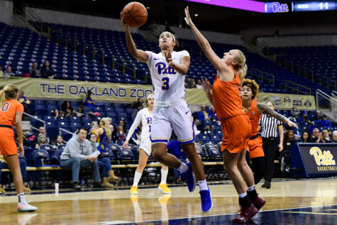 Women's basketball drops eighth straight to Virginia Tech, 74-58