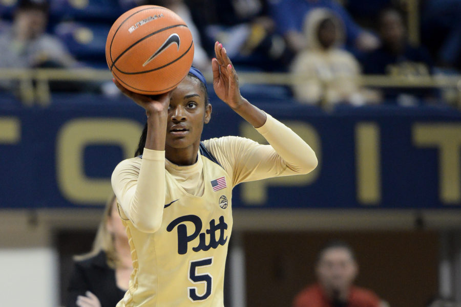 Senior+forward+Kauai+Bradley+%285%29+led+the+team+with+eight+points+during+Pitt%E2%80%99s+34-63+loss+to+NC+State+Thursday+evening.%0A
