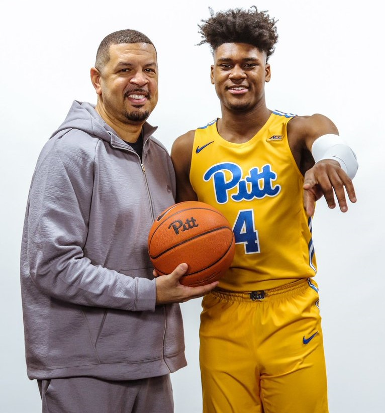 Four-star+high+school+recruit+Gerald+Drumgoole%2C+pictured+here+with+head+coach+Jeff+Capel+during+his+official+visit+over+the+weekend%2C+committed+to+Pitt+Monday+evening.