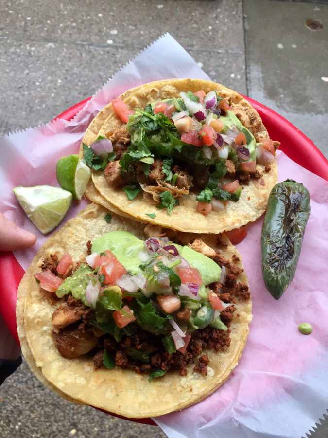 Tacos+from+the+recently+reopened+Oakland+Las+Palmas+location.%0A