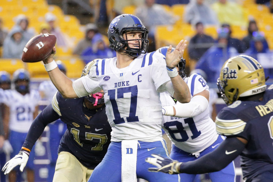 Duke+redshirt+junior+quarterback+Daniel+Jones+%2817%29+at+October%E2%80%99s+matchup+with+Pitt.+