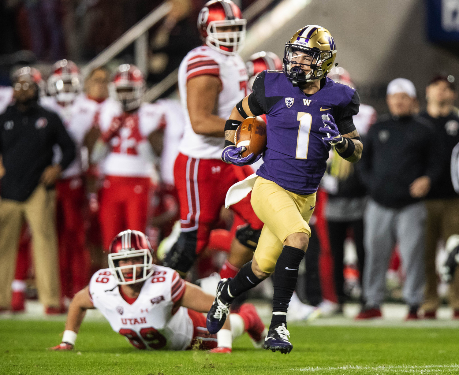 Byron Murphy returns the interception 66 yards for a touchdown in the third quarter against Utah Nov. 30, 2018, in Santa Clara, California. The University of Washington beat the University of Utah 10-3.
