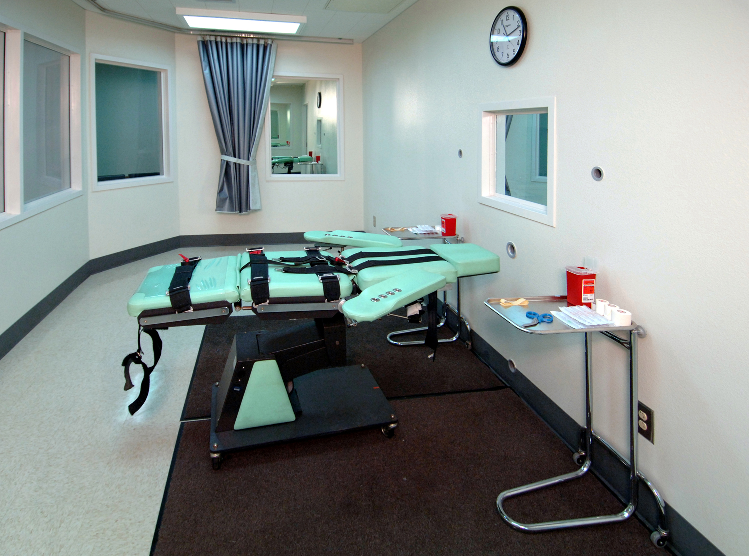 A California prison lethal injection room.