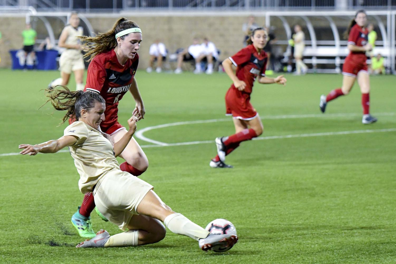 Senior defender Cheyanne Hudson (10) is one of only five returning pitt womens' soccer players this season.