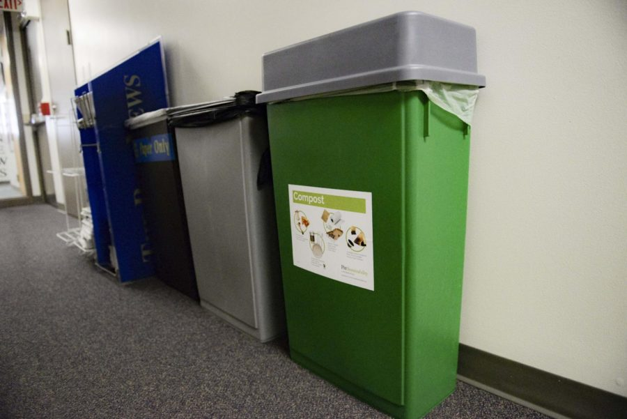 Compost+bins+are+now+located+next+to+trash+and+recycling+bins+in+the+William+Pitt+Union.+%0A