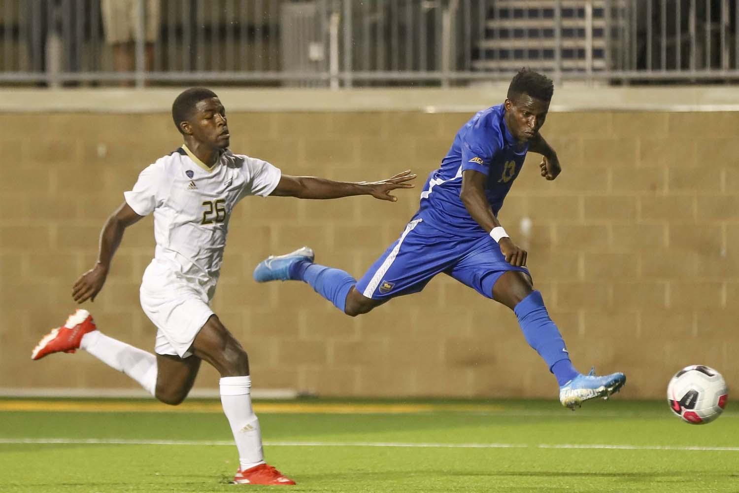 Junior forward Alexander Dexter (1) scored the only goal of the night during Pitt's 1-0 victory over Akron.