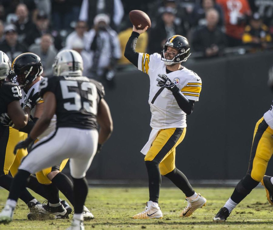 Pittsburgh Steelers quarterback Ben Roethlisberger (7) makes a pass against the Oakland Raiders on Sunday, Dec. 9, 2018, at the Oakland-Alameda County Coliseum in Oakland, California.