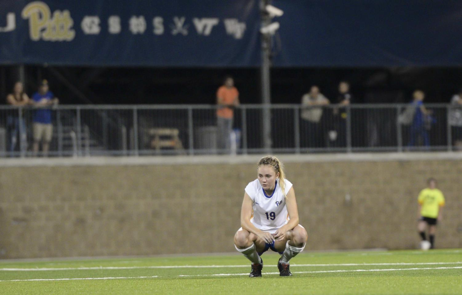 Pitt womens' soccer tied 1-1 with Syracuse on Friday night.