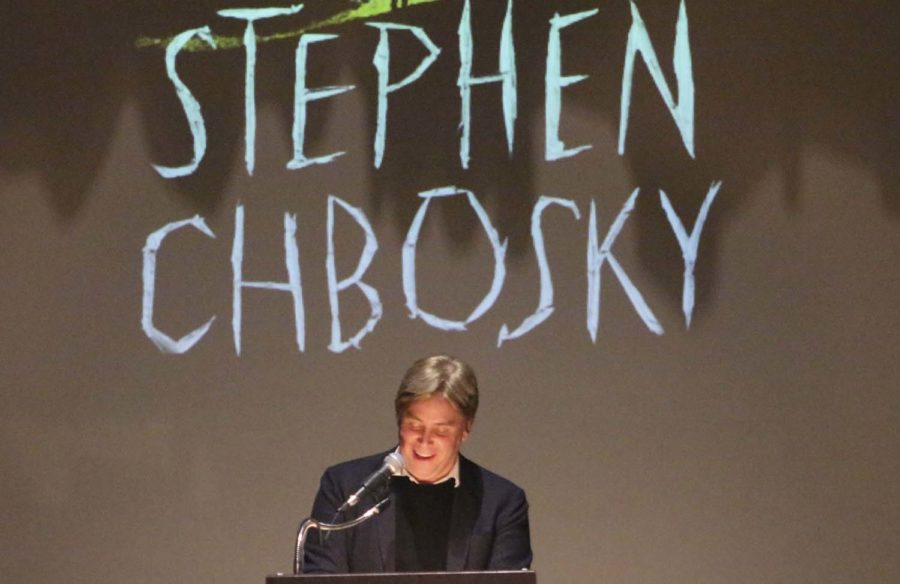 Stephen+Chbosky%2C+author+of+%E2%80%9CThe+Perks+of+Being+a+Wallflower%2C%E2%80%9D+speaks+about+his+new+book%2C+%E2%80%9CImaginary+Friend%2C%E2%80%9D+at+Carnegie+Library+Lecture+Hall+on+Monday+evening.%0A