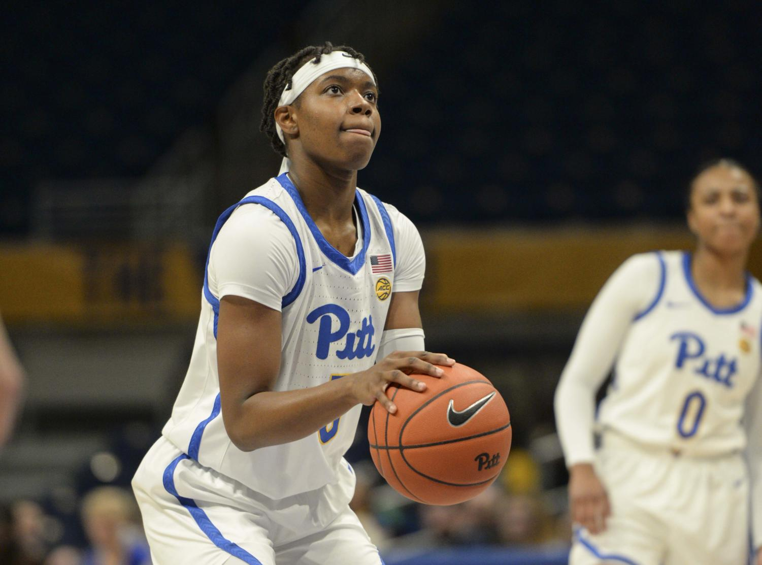 Amber Brown (5) led Pitt with 11 rebounds while contributing 12 points in a 60-52 loss to Notre Dame.