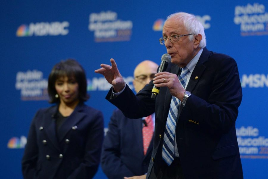 Sen.+Bernie+Sanders+was+one+of+seven+2020+Democratic+presidential+candidate+who+spoke+about+issues+relating+to+public+education+downtown+on+Saturday.