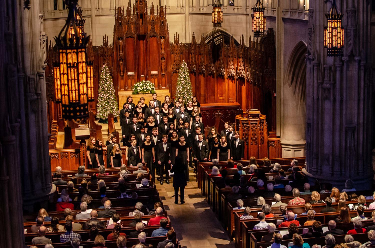 """The Heinz Chapel Choir, which consists of 46 students, performed its holiday concert """"To Make Music in the Heart"""" on Tuesday evening."""