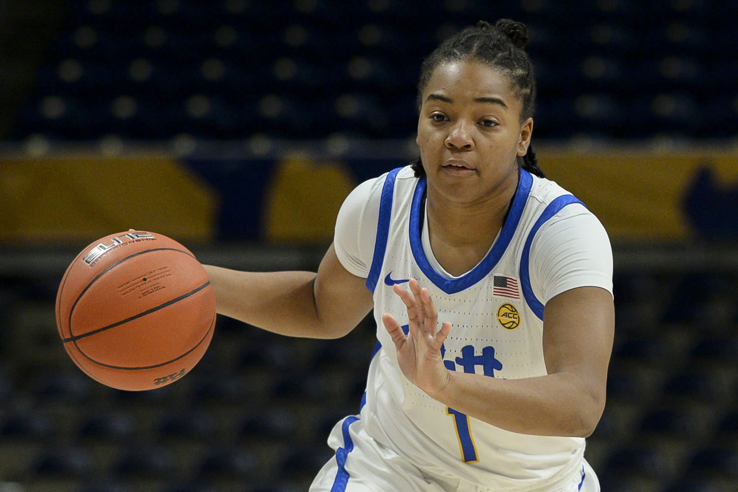 First-year guard Dayshanette Harris (1) accounted for 26 of Pitt's points during the Panthers' 78-73 loss to the Nittany Lions.