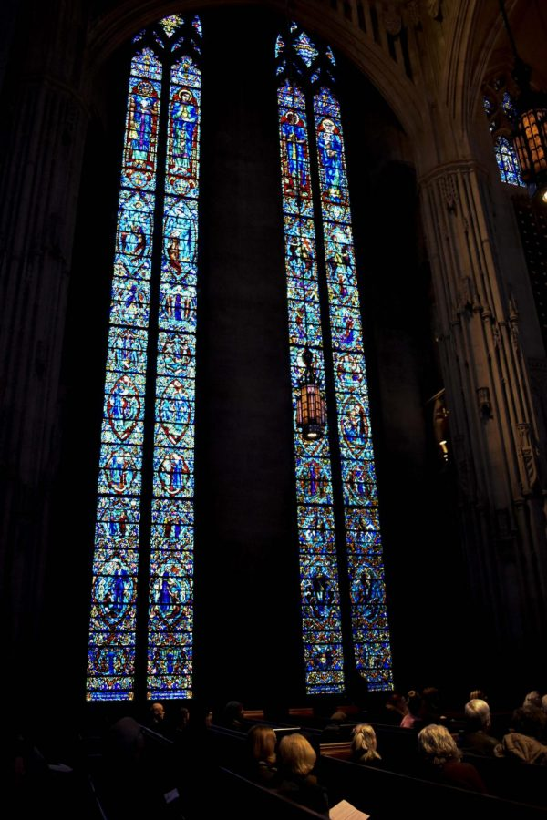 Heinz+Chapel+hosted+%E2%80%9CWomen+in+Windows%E2%80%9D+yesterday%2C+a+small+tour+describing+women%E2%80%99s+depictions+in+stained+glass+windows+in+the+chapel+to+honor+Women%E2%80%99s+History+Month.+