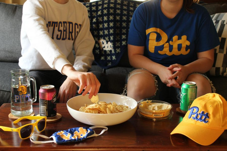 Oakland to Oregon: Pitt fans replicate tailgates from home