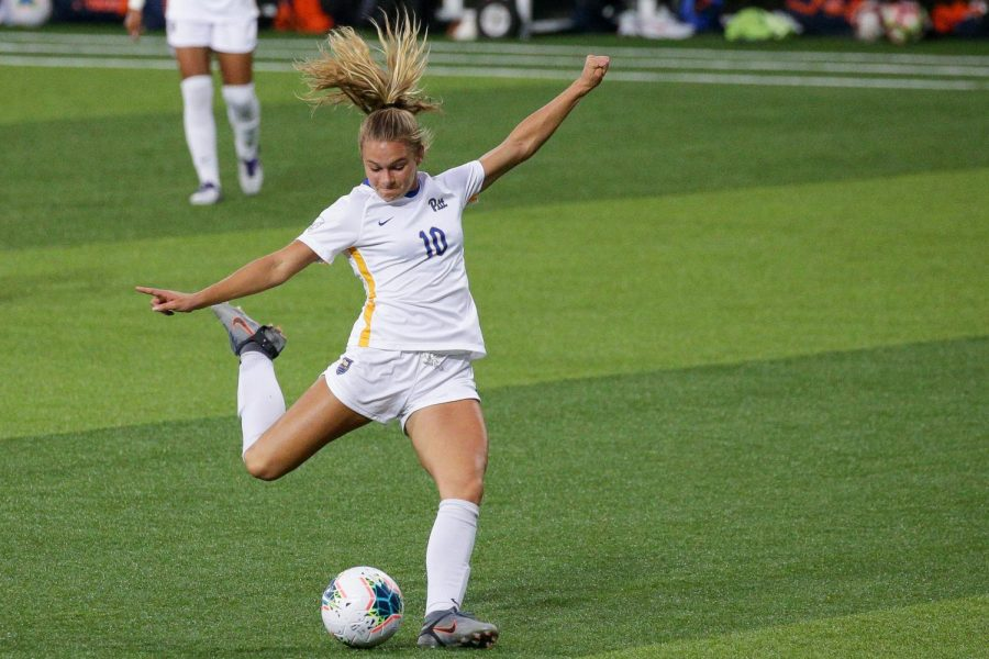 First-year midfielder Emily Yaple (10) led the Panthers with five shots, scoring on none during Pitt's 1-0 loss to Wake Forest on Sunday. With the loss to Demon Deacons, the Panthers will miss the 2020 ACC Women's Soccer Tournament and end their season with a 9-5-0 record.