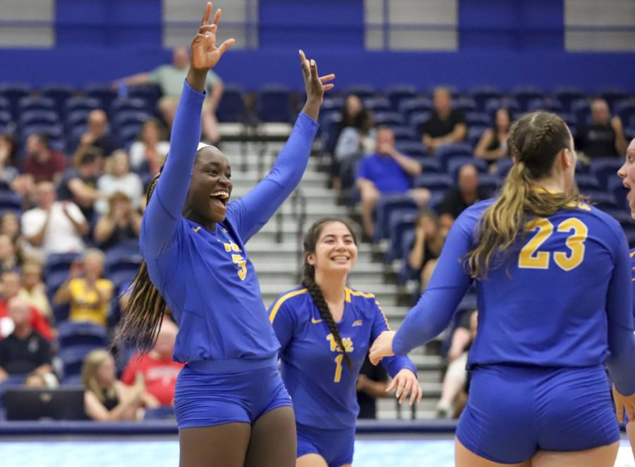 Pitt volleyball (18-4) shocked the entire sport on Sunday, outlasting Minnesota (16-3) in a five-set thriller 21-25, 25-23, 20-25, 25-21, 15-11. The Panthers will face Washington in the Elite Eight on Monday at noon.
