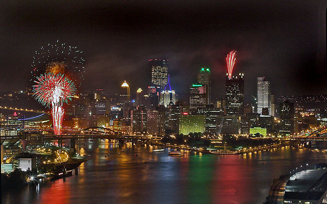 There+are+fireworks+to+enjoy+right+at+the+heart+of+Pittsburgh%2C+just+a+quick+car+drive+away+in+the+neighboring+suburbs+or+further+away+in+about+an+hour%E2%80%99s+commute.%0A