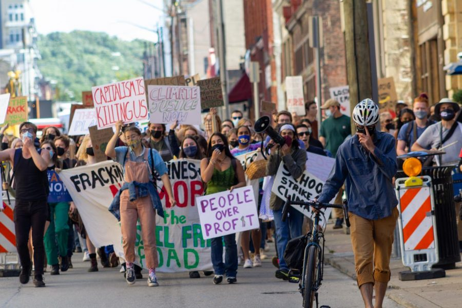 Sunrise+Movement+Pittsburgh+hosted+the+Pittsburgh+Climate+Strike+on+Friday+to+fight+for+three+demands+%E2%80%94+represent+youth+in+local+climate+decisions%2C+ban+fracking+and+tax+big+businesses+in+order+to+create+more+green+infrastructure.