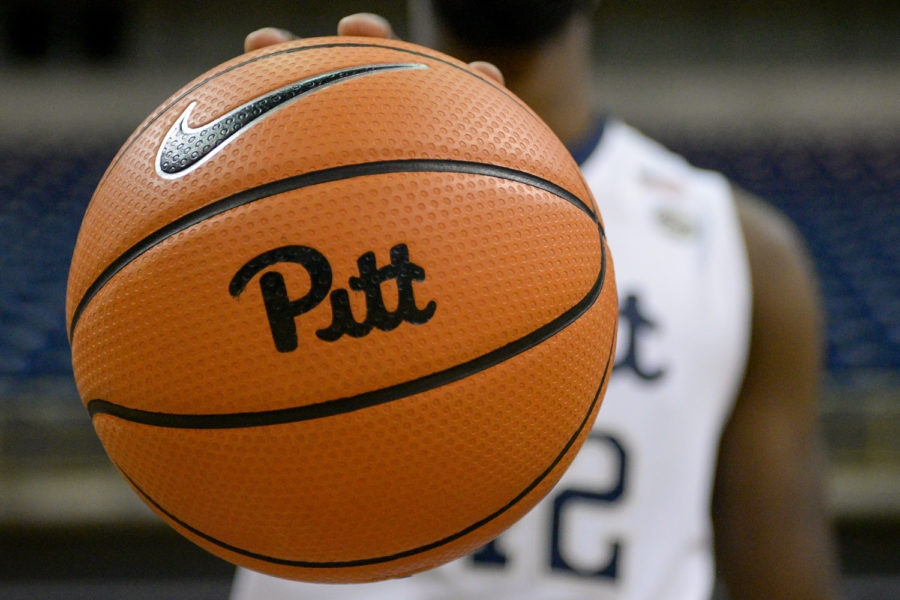 Pitt men's basketball team played an intrasquad scrimmage at the Petersen Events Center on Saturday. Though it wasn't an intense competition, the game provided early insight into Pitt's new roster.